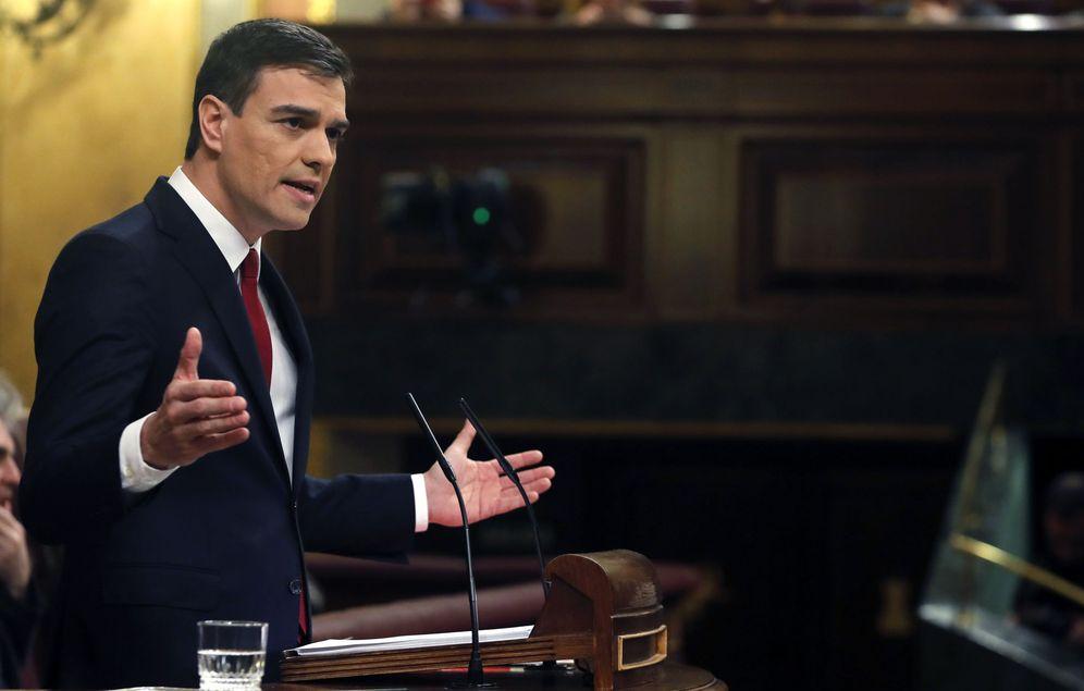 Foto: Pedro Sánchez, en un momento de su discurso de investidura, este 1 de marzo en el Congreso. (EFE)