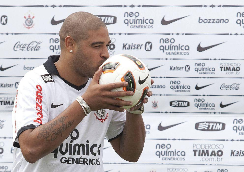 Foto: Adriano Leite, un futbolista que lo tenía todo para triunfar y fracaso por sus excesos nocturnos.