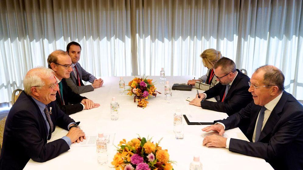 Foto: Reunión entre Josep Borrell y el ministro de Exteriores ruso, Sergey Lavrov. (EFE)