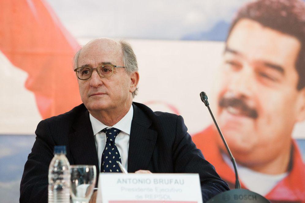 Foto: El presidente de Repsol, Antonio Brufau, en la firma de un acuerdo con PDVSA en 2014. (EFE)