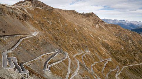 Viaje al pasado por el Paso del Stelvio: la aventura de hacer 5.000 km en un SEAT 127