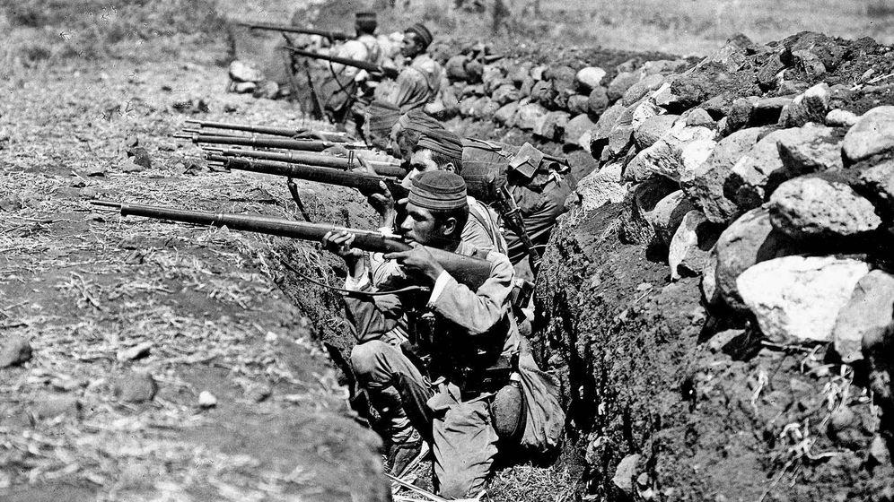 Foto: Soldados de Ceriñola 42 en las trincheras de Igueriben