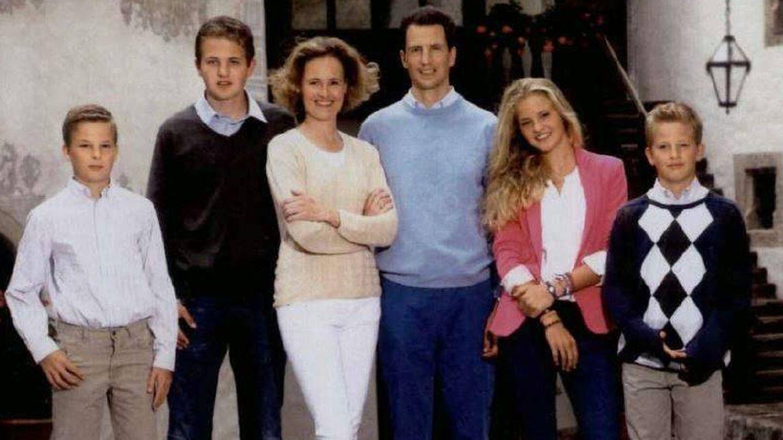 Los herederos de Liechtenstein con sus hijos hace unos años.