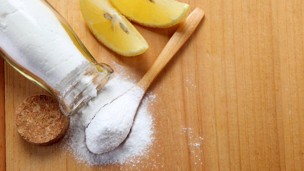 Foto: El nuevo remedio para todo: agua con bicarbonato y zumo de limón. (iStock)