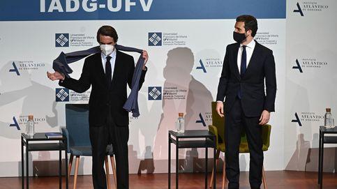 Aznar y Casado participan en un coloquio
