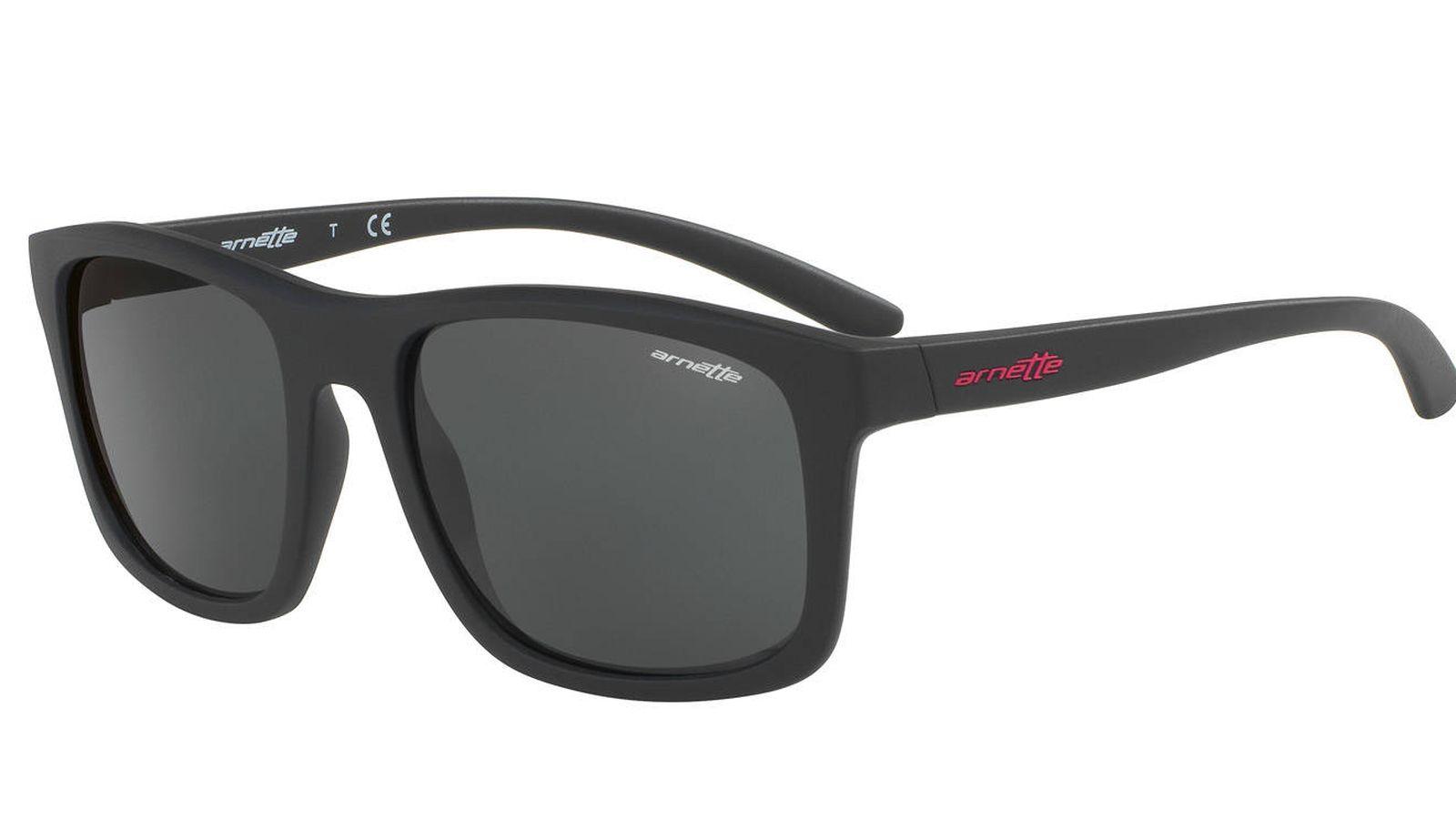 c37264e58f Moda hombre: De Carolina Herrera y Loewe a Tous: gafas de sol para el verano