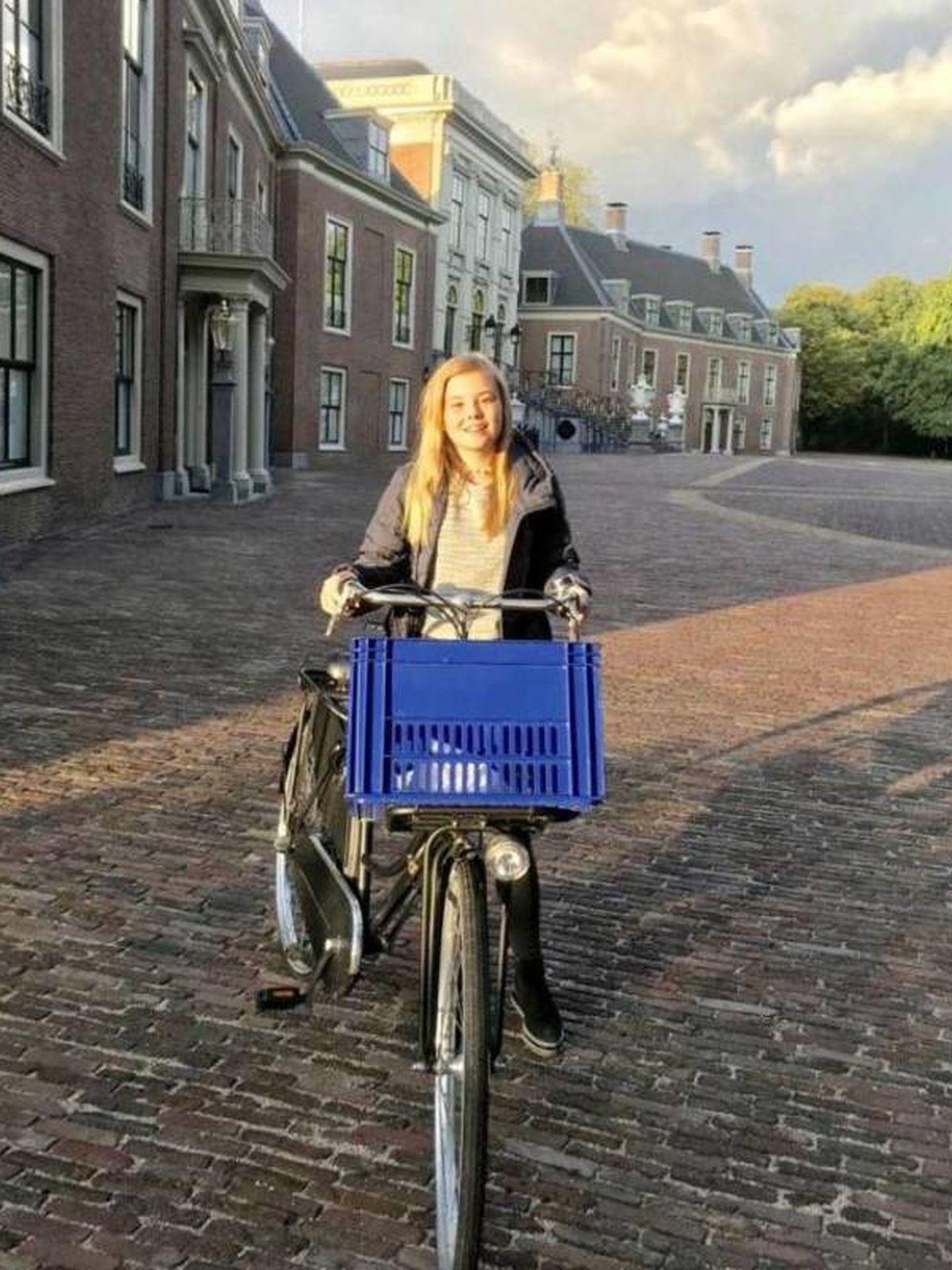 Ariane de Holanda, en su primer día de colegio. (Redes)