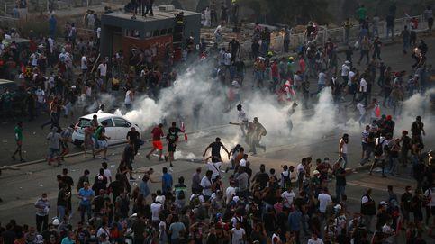 Las protestas en Beirut dejan ya un fallecido y siguen los asaltos a sedes del gobierno