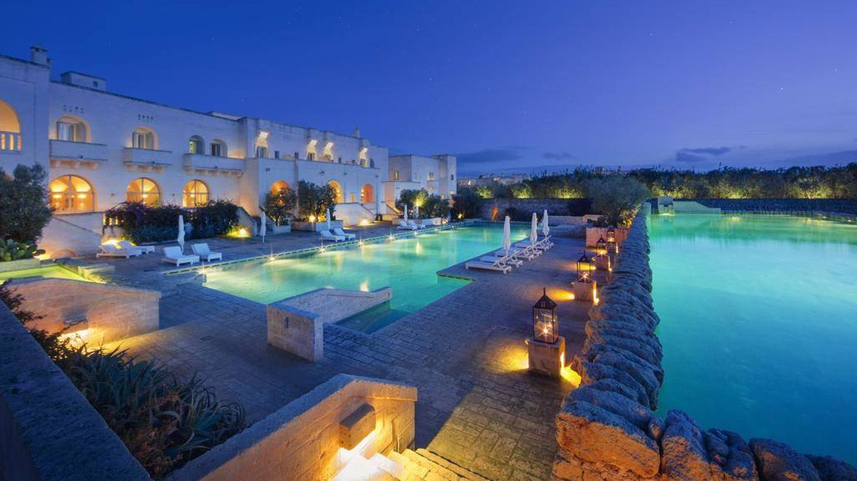 Piscinas del hotel Borgo Egnazia. (borgoignazia.it)
