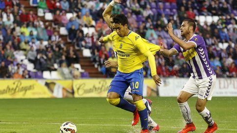 El árbitro corta las alas al Valladolid y da aire a Las Palmas