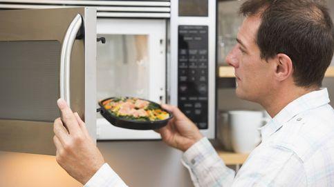Las 9 cosas que nunca deberías meter dentro de un microondas