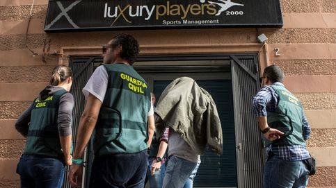 Operación de la Guardia Civil por el fraude masivo de reventa de entradas del Clásico
