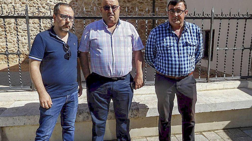 Foto: Los familiares y compañeros de Félix López llevan un mes esperando recuperar su cadáver. ('La Tribuna de Albacete'/Teresa Jiménez)