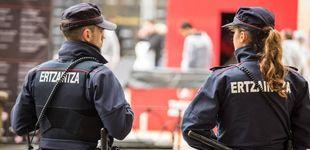 Post de Tres detenidos por lanzar botellas a la Ertzaintza tras desalojar a cientos de personas en Plentzia