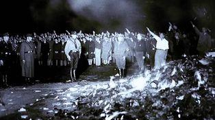 Los nazis no quemaron tantos libros como nosotros