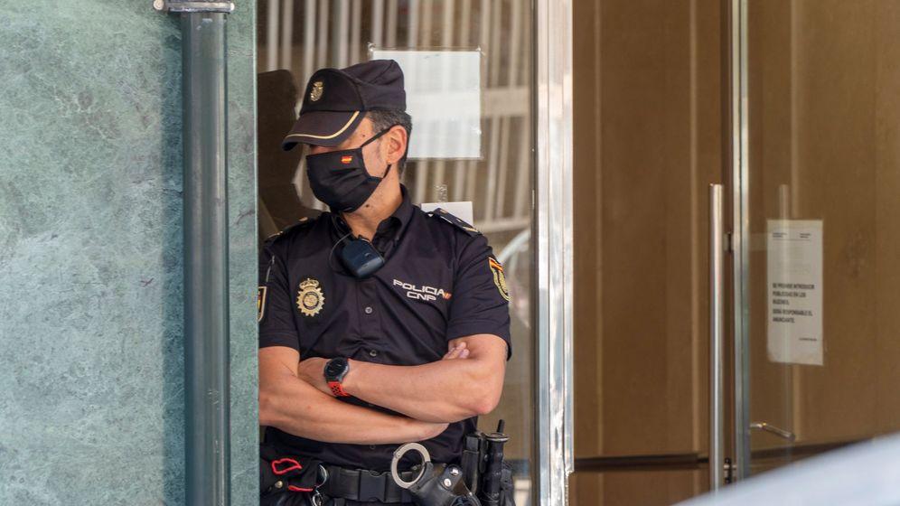 Foto: Un agente de la Policía Nacional. (EFE)