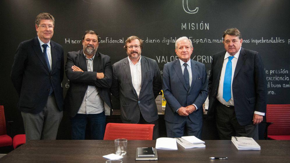 Foto: José María Gimeno, Francisco Caamaño, Carlos Sánchez (El Confidencial), Pascual Sala y Gonzalo Quintero.