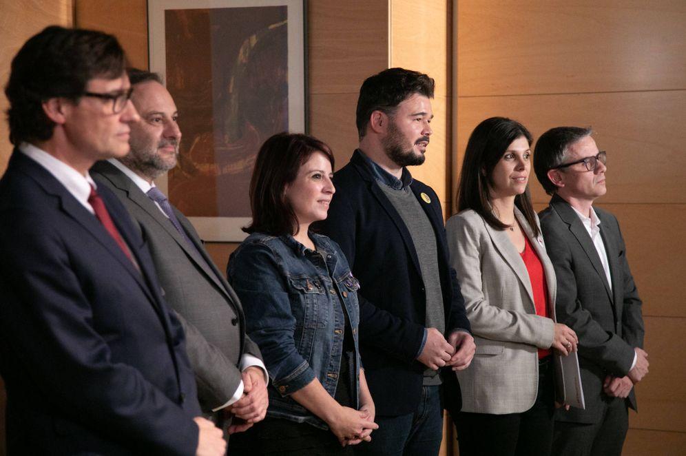 Foto: Salvador Illa, José Luis Ábalos, Adriana Lastra, Gabriel Rufián, Marta Vilalta y Josep Maria Jové, este 28 de noviembre en el Congreso. (Eva Ercolanese | PSOE)