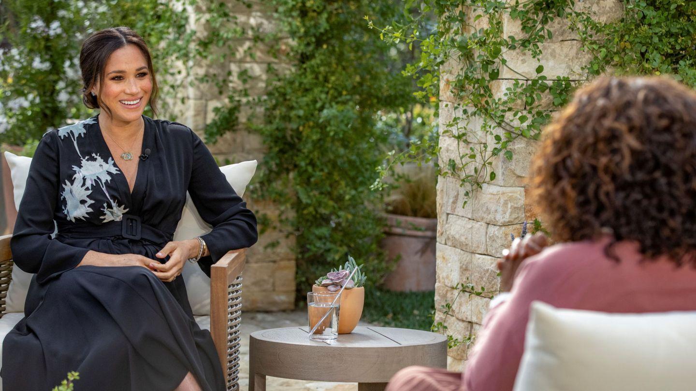 Meghan, con su amiga Oprah. (Reuters)