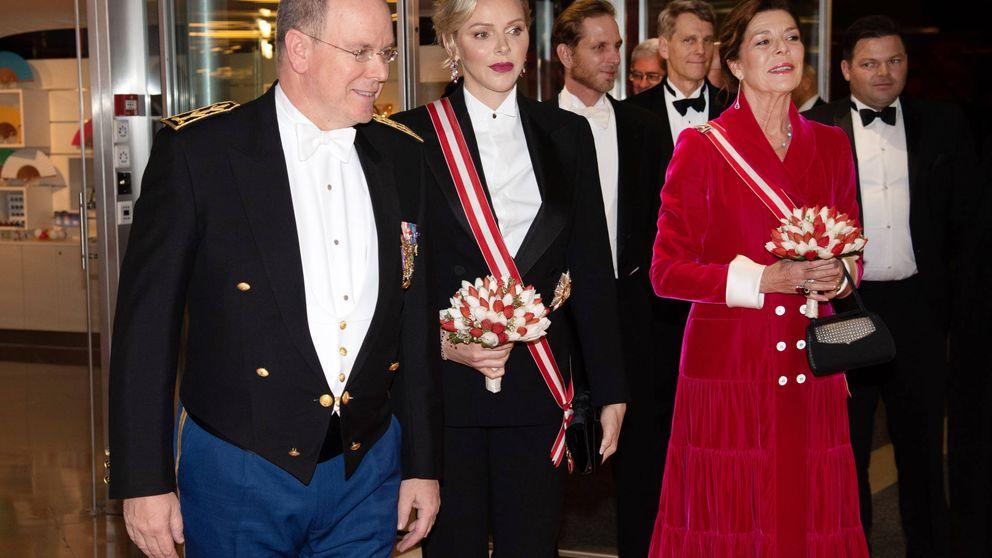 Charlène vs. el protocolo: su inaudito look de gala frente a Carolina y Beatrice Borromeo