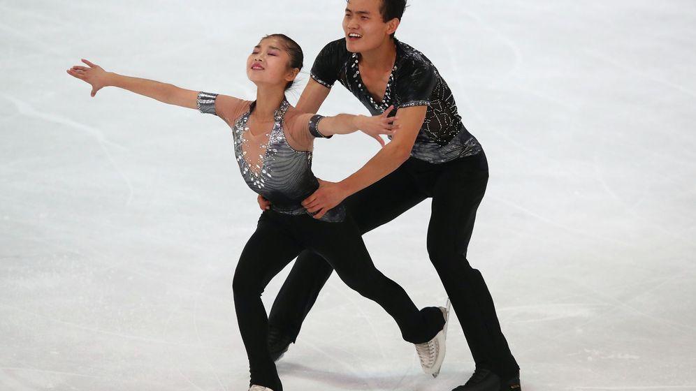 Foto: Los patinadores de Corea del Norte Ryom Tae-Ok y Kim Ju-Sik. (Reuters)