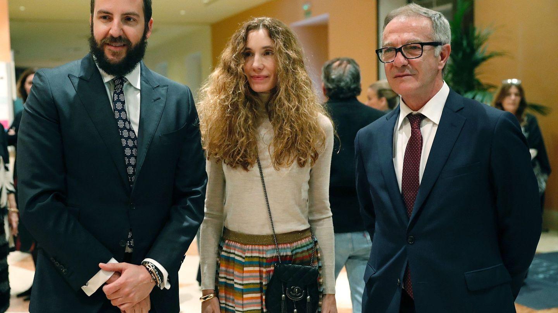 El ministro de Cultura, José Guirao, junto a Borja y Blanca Thyssen.  (EFE)