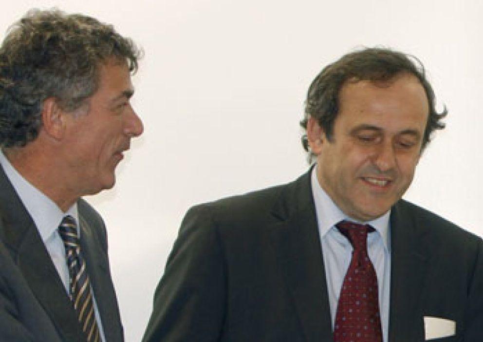 Villar medió ante Platini en el aplazamiento de la sanción al Atleti