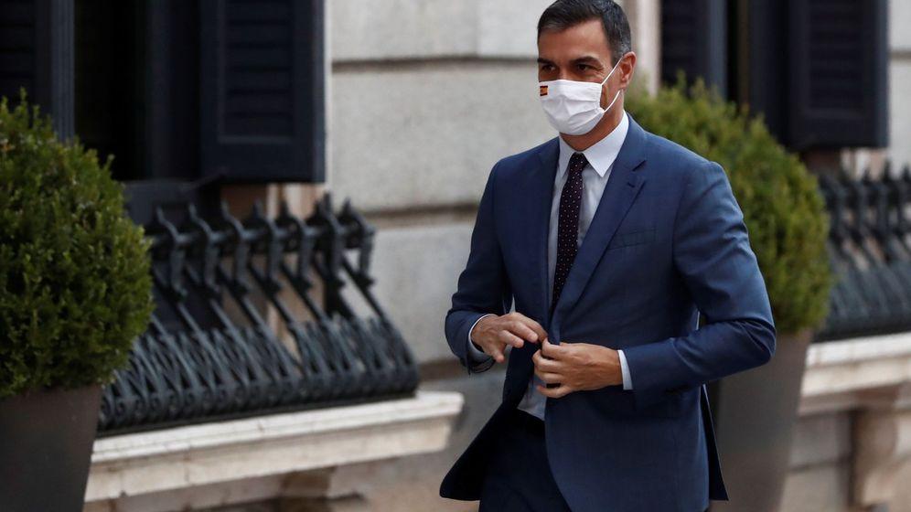 Foto: El presidente del Gobierno, Pedro Sánchez, a su entrada al Congreso. (EFE)
