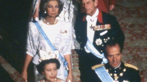 Los lazos de sangre del duque de Edimburgo con don Juan Carlos y doña Sofía
