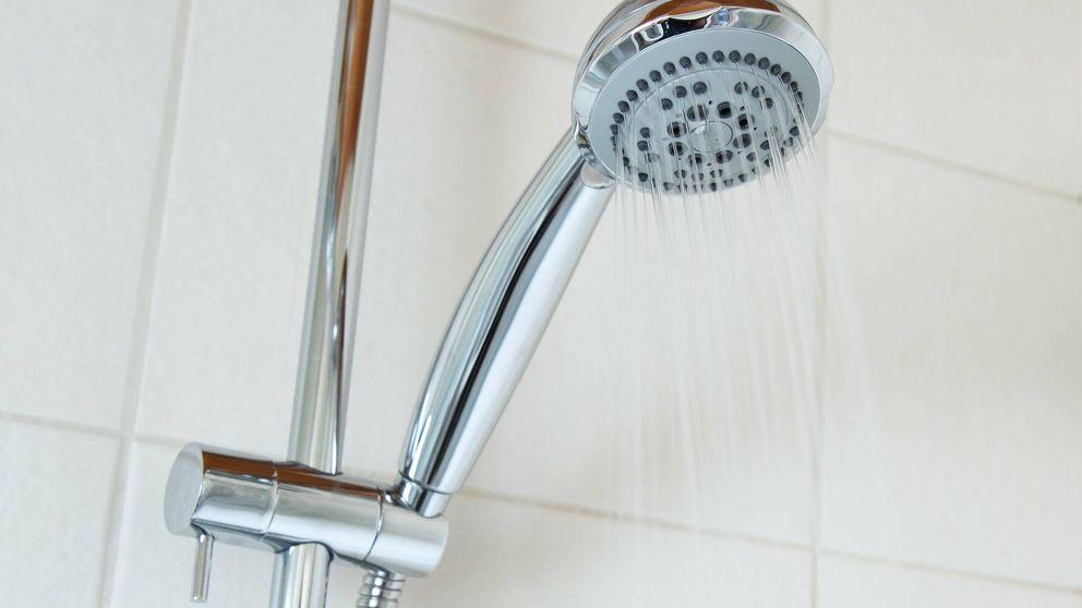 Una encuesta desvela el porcentaje de gente que defeca en la ducha