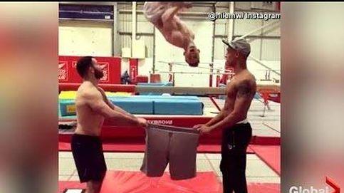 Así se pone los pantalones un gimnasta olímpico