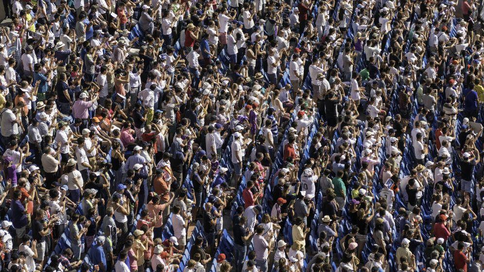 Foto: Millones de españoles, una realidad cada vez más polarizada. (iStock)