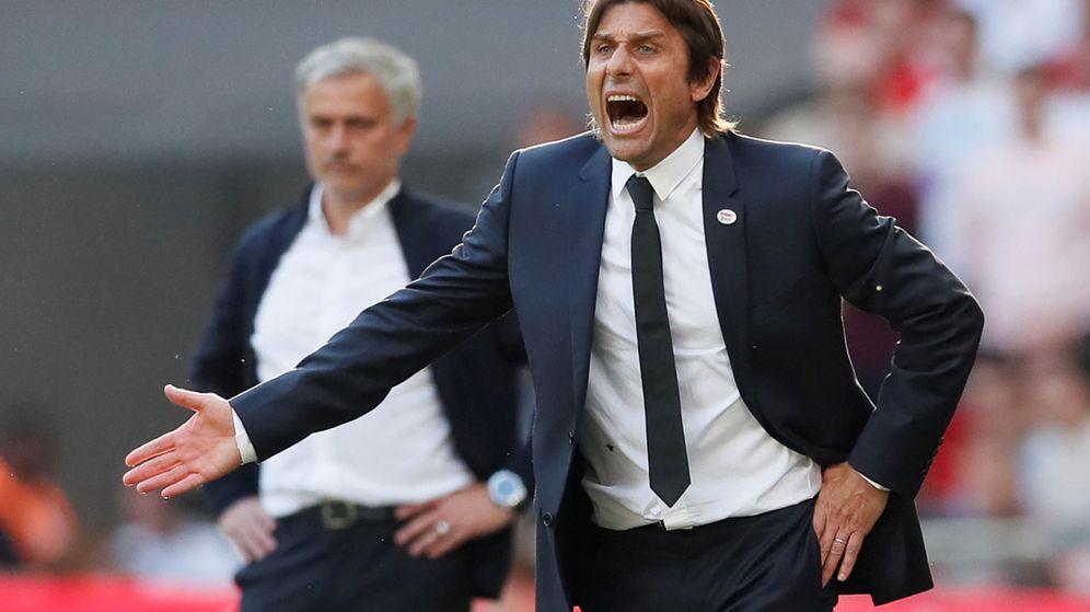 Foto: Antonio Conte durante un partido con el Chelsea. (Efe)