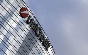Unicredit negocia con Santander para poder combinar sus gestoras