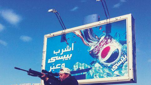 Burkas, tiros y piscinas: un fotoperiodista en guerra