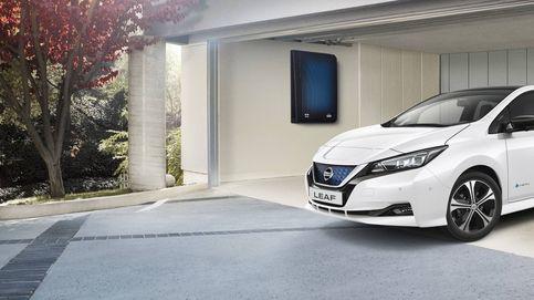Conectar un coche a la red eléctrica ahorraría 2.400 euros al año
