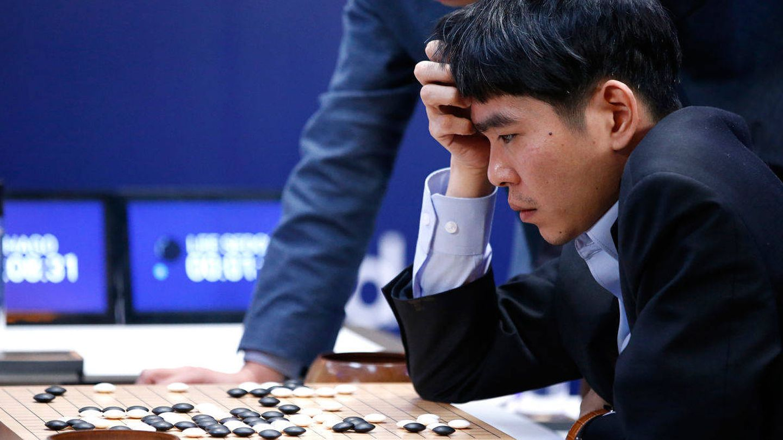 El campeón mundial de Go, Lee Sedol, durante una de sus partidas contra AlphaGo.