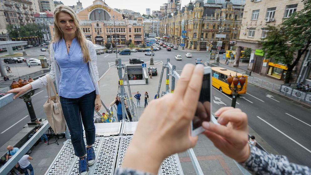 Donde ayer estaba Lenin, hoy hay un pedestal para 'selfies'