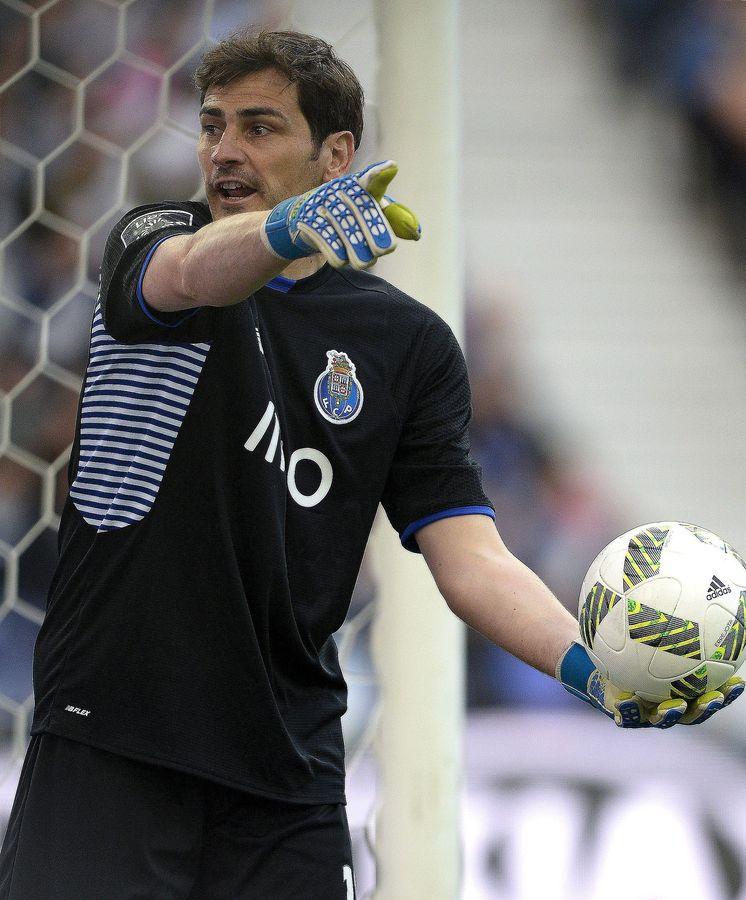 Foto: Iker Casillas, durante el Oporto-Sporting. (EFE)