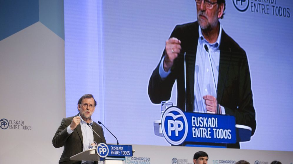 Foto: El presidente del Gobierno, Mariano Rajoy, durante la clausura del congreso del PP vasco. (EFE)