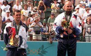 """Sergi Bruguera: """"Si Agassi hizo trampas, no merece la medalla olímpica"""""""