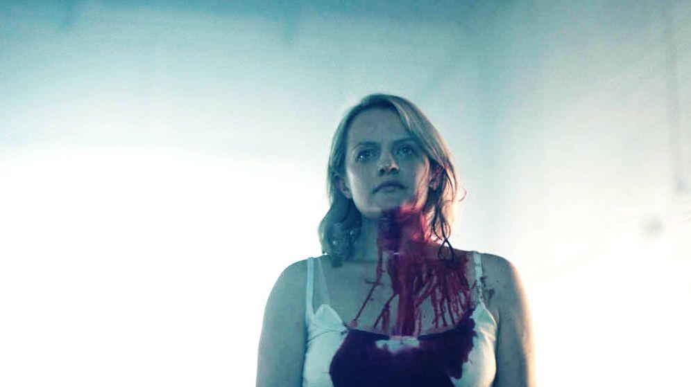Foto: Elizabeth Moss en una imagen de la segunda entrega de 'The Handmaid's Tale'. (HBO)