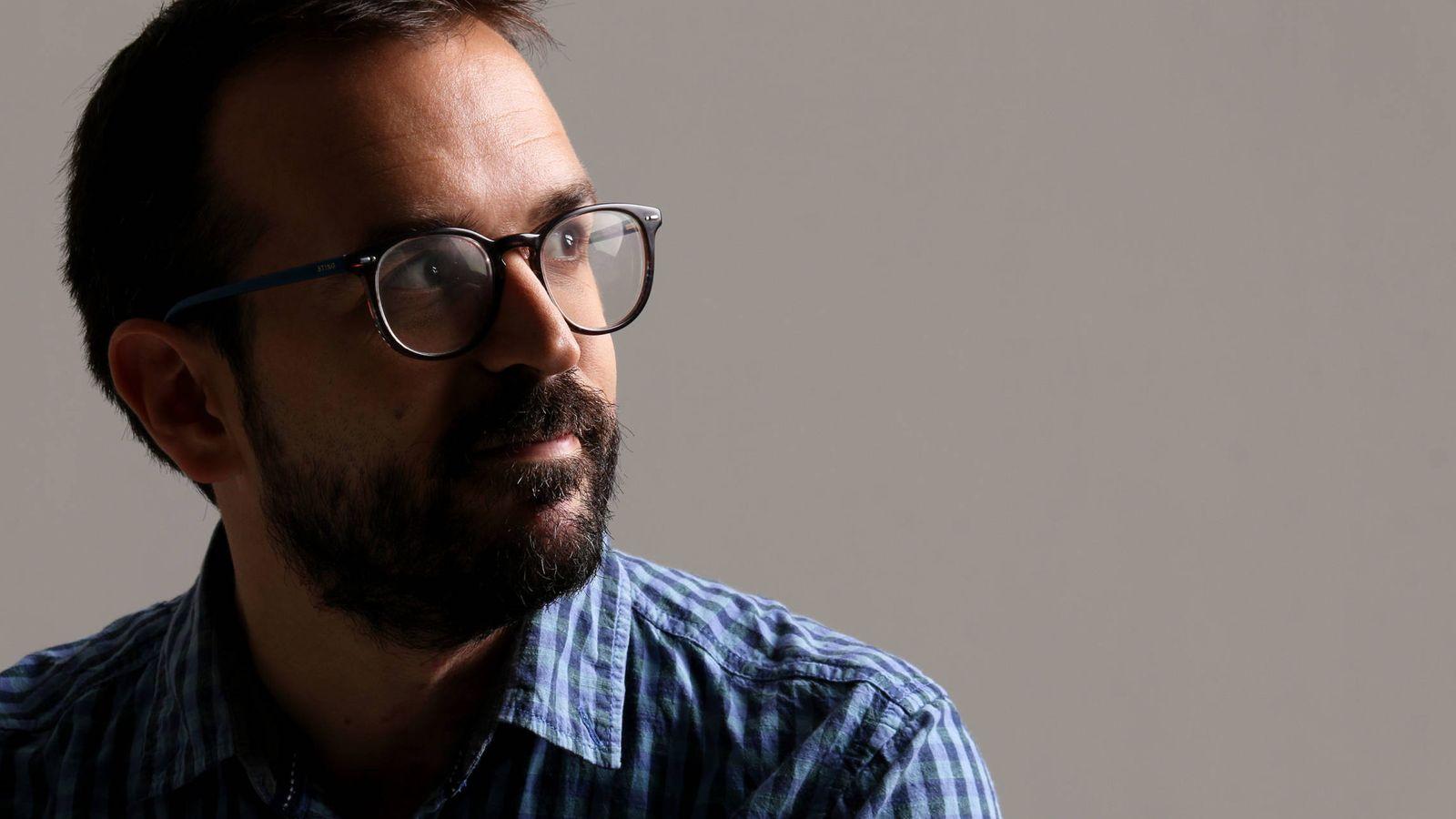 Foto: Javier López Menacho es el autor del libro 'La farsa de las startups: la cara oculta del mito emprendedor'.