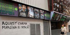 Dos de cada tres cines de Cataluña cierran por la obligación de proyectar la mitad de las películas en catalán