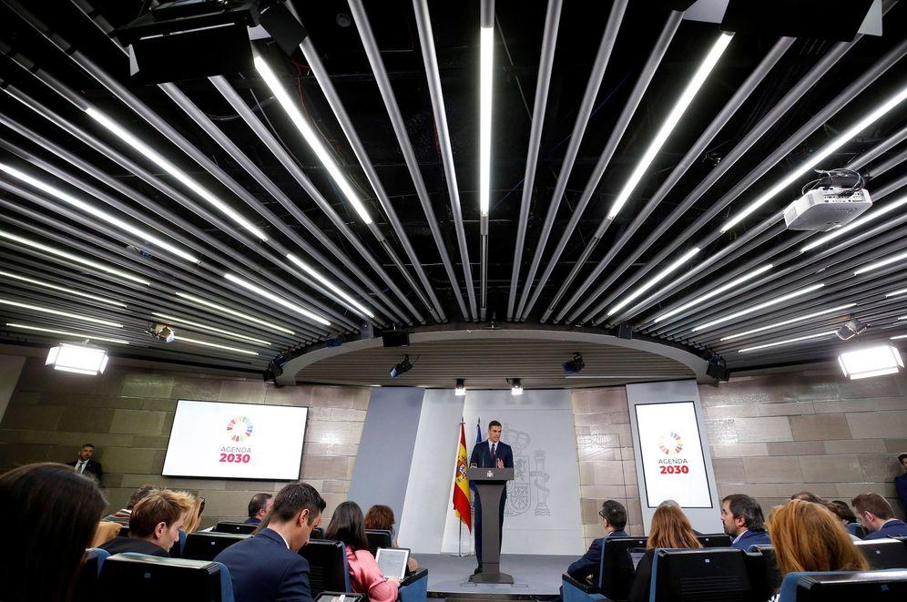 Foto: El presidente del Gobierno, Pedro Sánchez, durante su comparecencia, este viernes, en el Palacio de la Moncloa. (EFE)