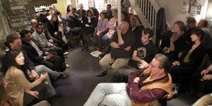 Foto: La filosofía sale de la Universidad y vuelve al bar