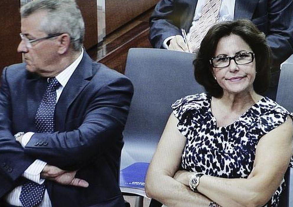 Foto: Juan Antonio Roca y su mujer, Rosa Jimeno, en una foto de archivo (EFE)