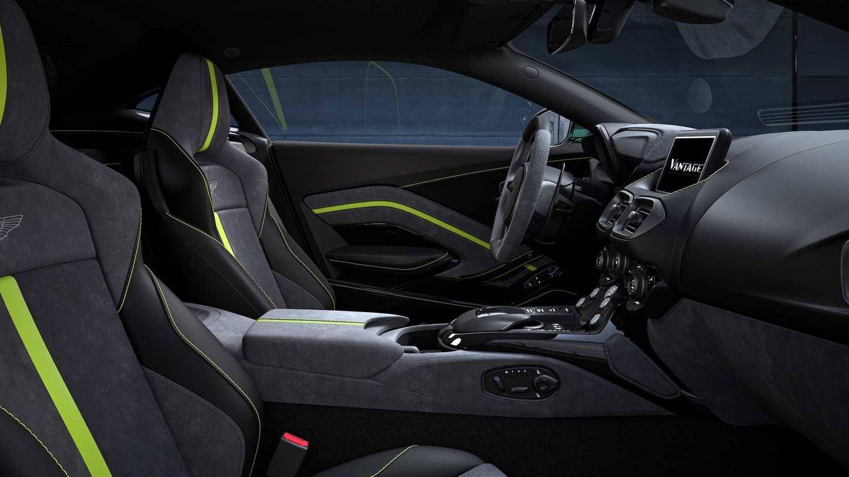 Interior del Vantage F1 que combina deportividad y elegancia máxima.