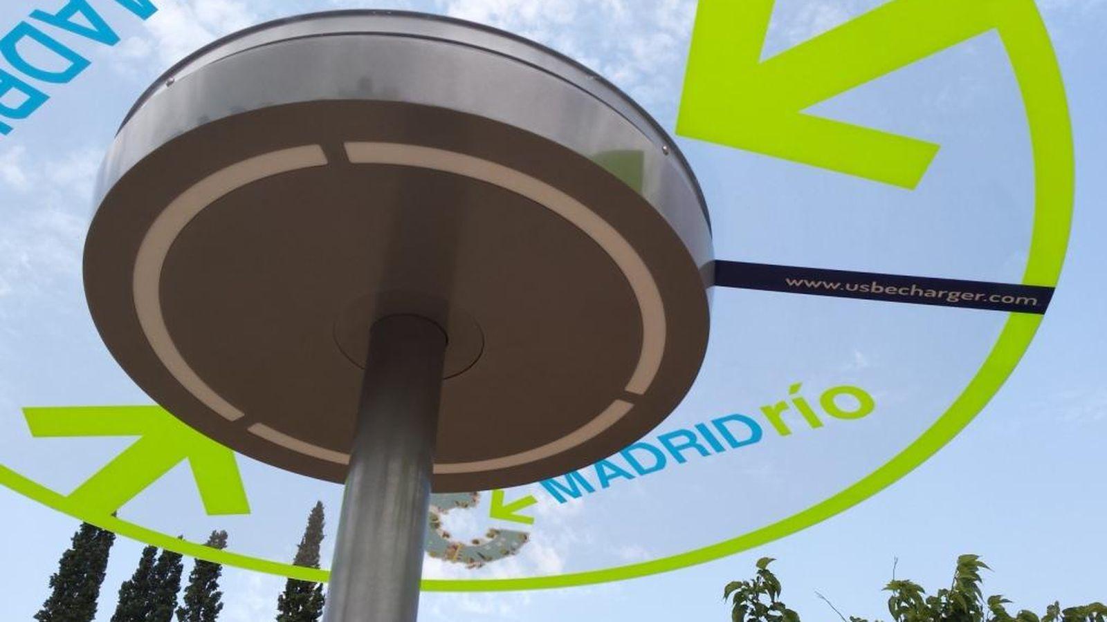 Foto: Instalan un cargador solar y gratuito en el Parque Madrid Río