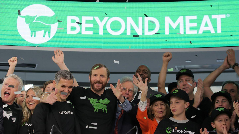 Ethan Brown, fundador de Beyond Meat, celebra con su equipo la salida a bolsa de la compañía. (Reuters)